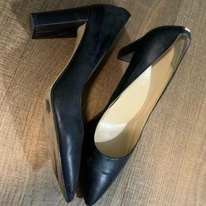 Sexy black pumps size 9